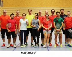Badminton TSV Kastl gegen SVW Burghausen Gruppenfoto.jpg